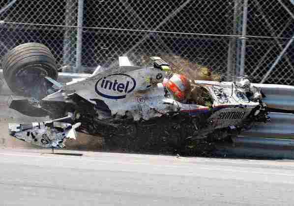 Apesar de uma batida assustadora no GP do Canadá de 2007, Robert Kubica teve apenas uma lesão no tornozelo.