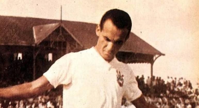 Apesar do apelido que lembra a palavra zagueiro, José Alves dos Santos é um dos maiores atacantes do Corinthians, com mais de 100 gols marcados com a camisa do clube.