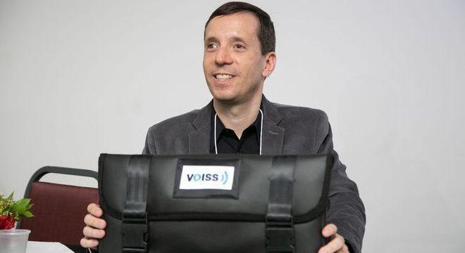 Fernando Botelho é deficiente visual e fundador da empresa F123 Consultoria