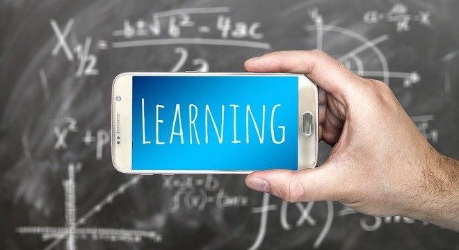 Aplicativos prometem facilitar a comunicação entre os pais e a escola