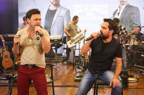 Zezé Di Camargo e Luciano suspendem segunda live