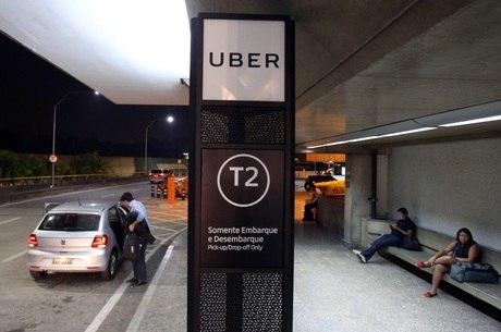 Área de passageiro de aplicativo em Cumbica