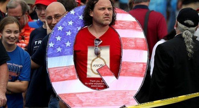 Manifestantes invadiram o Capitólio, sede do Congresso dos EUA