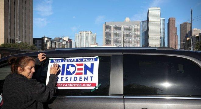 Campanha de Biden arrecadou mais recursos do que a de Trump