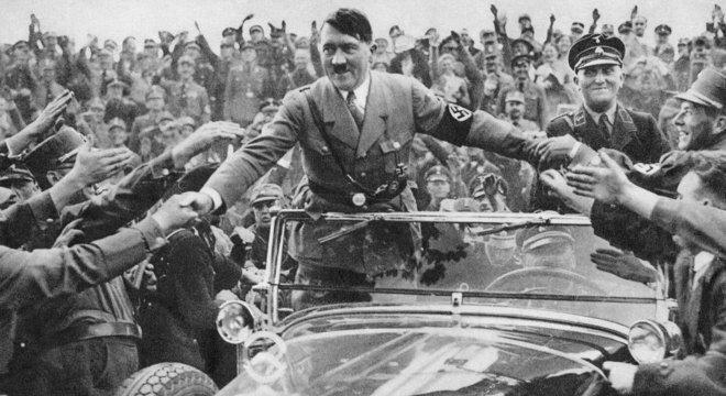 A turbulência econômica provocada pela Grande Depressão foi manipulada por 'políticos populistas' como Hitler