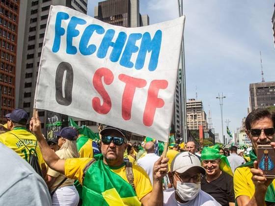 Apoiadores do presidente Jair Bolsonaro na Avenida Paulista, em SP, pede fechamento do STF