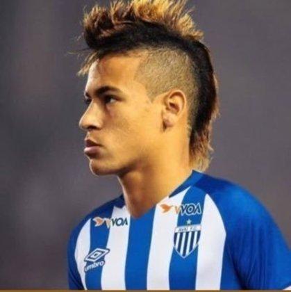Apoio na web: Neymar de moicano vestindo a camisa do Avaí