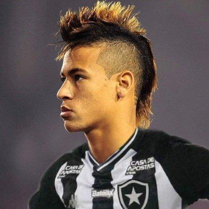 Apoio na web: Neymar de moicano vestindo a camisa do Botafogo