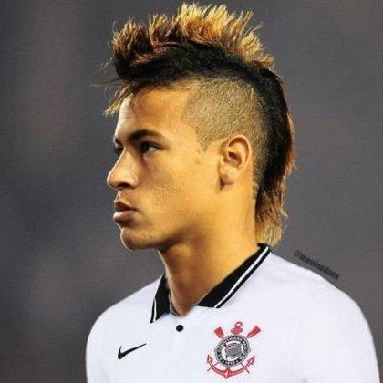 Apoio na web: Neymar de moicano vestindo a camisa do Corinthians