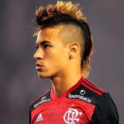 Apoio na web: Neymar de moicano vestindo a camisa do Flamengo