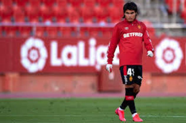 Apontado como 'Messi Mexicano', o meia Luka Romero, do Mallorca, se tornou o mais jovem a estrear na La Liga, com apenas 15 anos, contra o Real Madrid, na última semana.