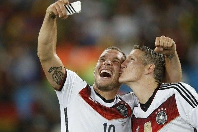 Após a conquista do título da Copa do Mundo de 2014, os alemães perderam a fama de sisudos e demonstraram a mesma simpatia de quando estavam na Bahia. Podolski fez muitas selfies e esbanjou simpatia e carisma no Maracanã.