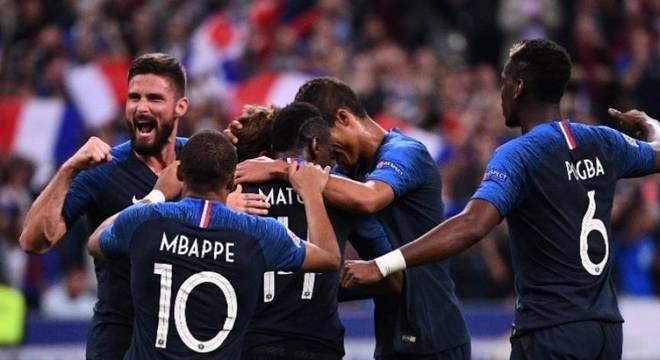 Após as datas Fifa de outubro, restam apenas duas rodadas para o fim da fase de grupos da Liga das Nações. No Grupo A, a França venceu a Alemanha por 2 a 1 e joga por empate na última rodada
