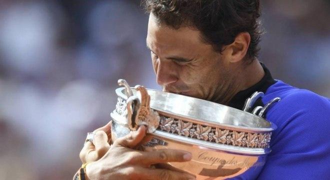 Após dois anos sem levar a taça (não disputou 2015 por lesão e caiu nas quartas para Djoko em 2016), Nadal voltou o topo em 2017, após vencer o suíço Stan Wawrinka por 3 a 0: 6–2, 6–3 e 6–1.