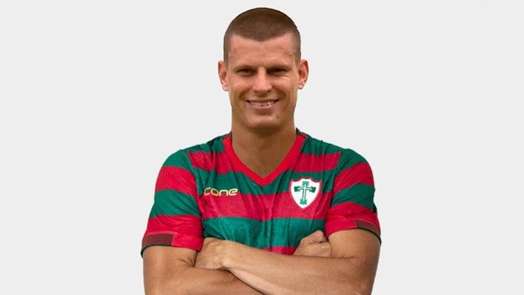 Após passagens por Ponte Preta, Bahia, Guarani e Joinville, DIEGO JUSSANI, de 33 anos, hoje é um dos defensores da Portuguesa.