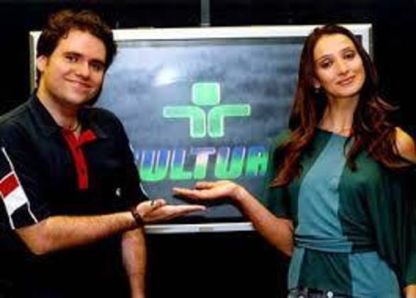 Após passagens rápidas por Band e SBT, Rodrigo voltou a TV Cultura, onde apresentou o