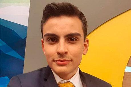 """Dudu Camargo é um dos apresentadores do """"Primeiro Impacto"""""""