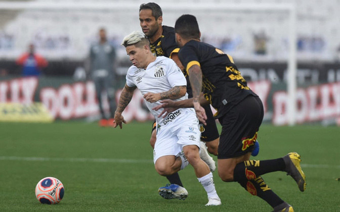 Após um início de partida promissor no qual abriu dois gols de vantagem, o Santos sofreu um