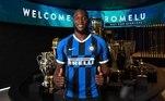 Após uma longa novela, a Internazionale chegou a um acordo com o Manchester United e anunciou a contratação de Romelu Lukaku. Os valores da negociação não foram divulgados ainda.