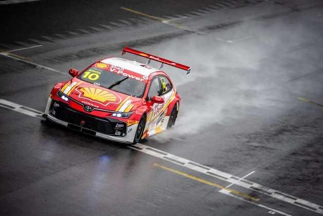 Após vencer uma corrida na estreia, Ricardo Zonta espera manter a boa fase em São Paulo