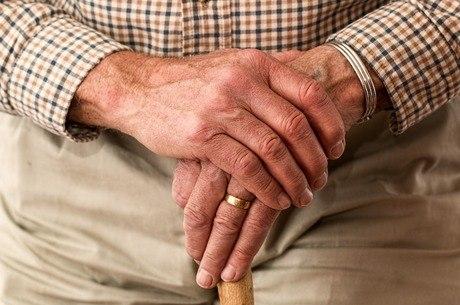 Prova de vida pode ser feita no banco do beneficiário
