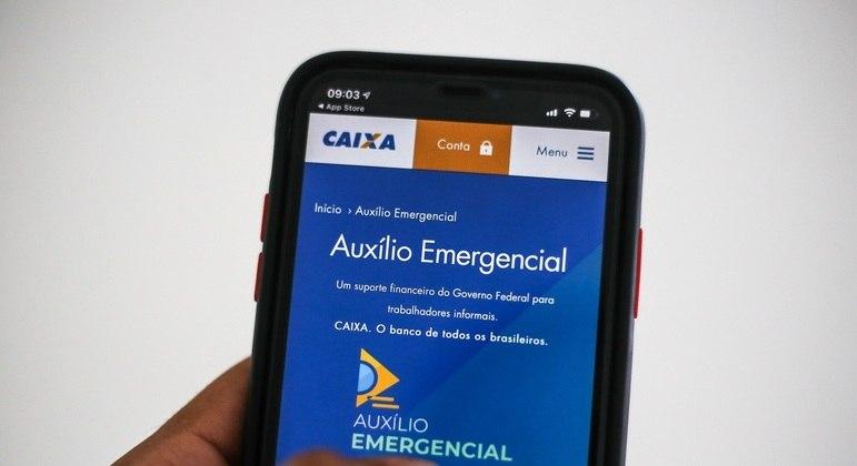 App do auxílio emergencial; Senado aprova projeto que prevê novo benefício