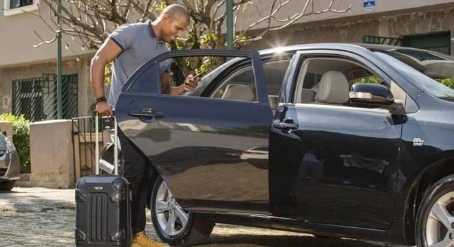 Cresce a procura pelo serviço de carros por app nas periferias de capitais brasileiras