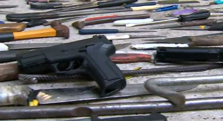Polícia de SP apreende dezenas de armas usadas em assaltos no centro