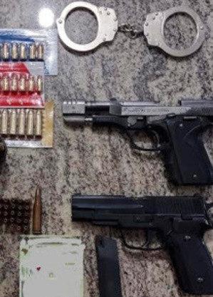Homem tinha armas e munições após tentativa de homicídio