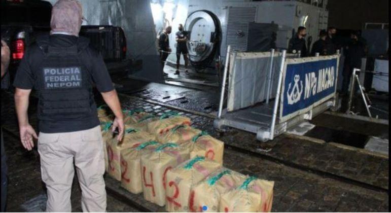 Mais de 600 kg de haxixe estavam sendo transportados na embarcação