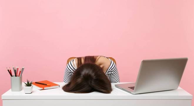 Aprenda práticas para minimizar a sensação de cansaço após o almoço