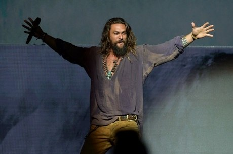 Jason Momoa interpreta o super-herói Aquaman