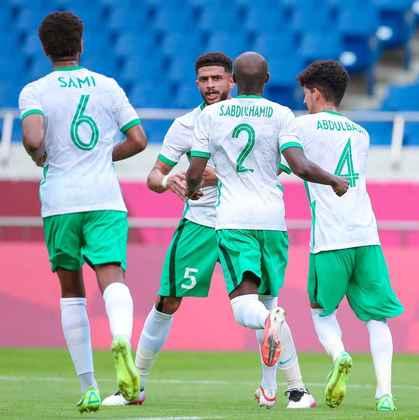 Arábia Saudita - Começou com uma linha de cinco defensores, tentando neutralizar o ataque brasileiro. Marcou um gol em bola parada, explorando uma falha do time de André Jardine.