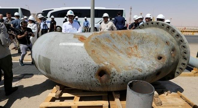 Resultado de imagem para Arábia Saudita mostra danos em instalações petrolíferas atacadas