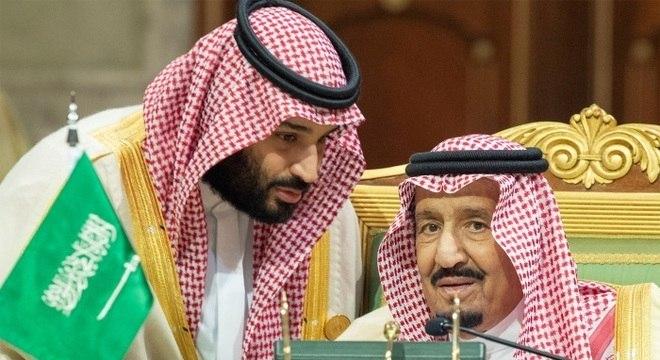 Rei Salman Al Saud e o príncipe herdeiro Mohammed bin Salman