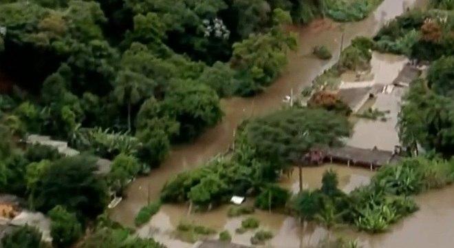 Uma morte foi registrada em Araçariguama após a cidade ficar inundada