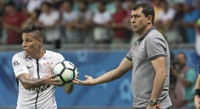 539bd0bff2 Guilherme Arana foi campeão brasileiro com Carille no comando do Corinthians