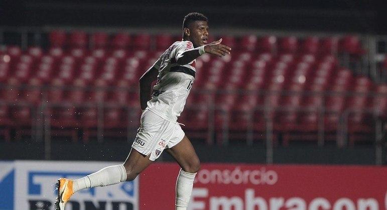 Arboleda foi campeão paulista pelo São Paulo no último domingo (23)
