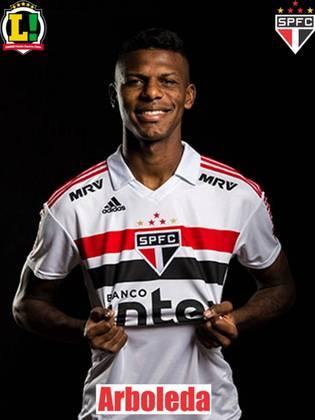 Arboleda - 5,0 - Outro que teve dificuldade para encontrar os jogadores do Palmeiras em campo e sofreu na marcação.