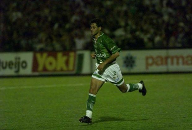 Arce - O ex-lateral paraguaio marcou época no Grêmio e também no Palmeiras na década de 90. Pelo Verdão, conquistou a Libertadores de 99, a Copa Mercosul e a Copa do Brasil de 98. Pela seleção do Paraguai, Arce disputou as Copas de 98 e 2002