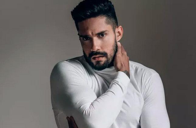 Arcrebiano Araújo (modelo, educador físico e influenciador digital / 29 anos): Bill, como é conhecido, é torcedor do Flamengo, porém não compartilha muita coisa sobre futebol nas redes sociais. Ele é mais ligado ao crossfit.