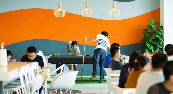 Na última década, muitos escritórios criaram espaços recreativos ou de descanso na tentativa de aliviar o estresse dos funcionários