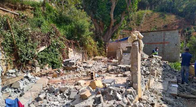 Depois da demolição da casa, Jéssica ainda quer reconstruir imóvel no terreno