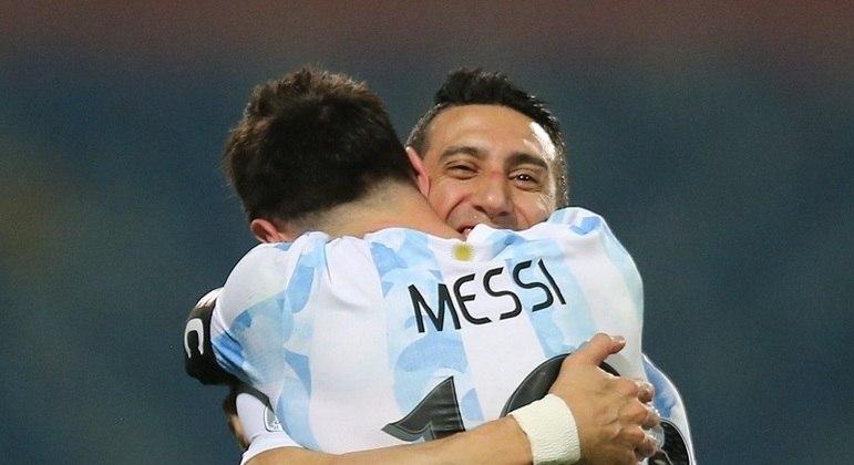 Camisa 10 argentino foi o grande nome da classificação