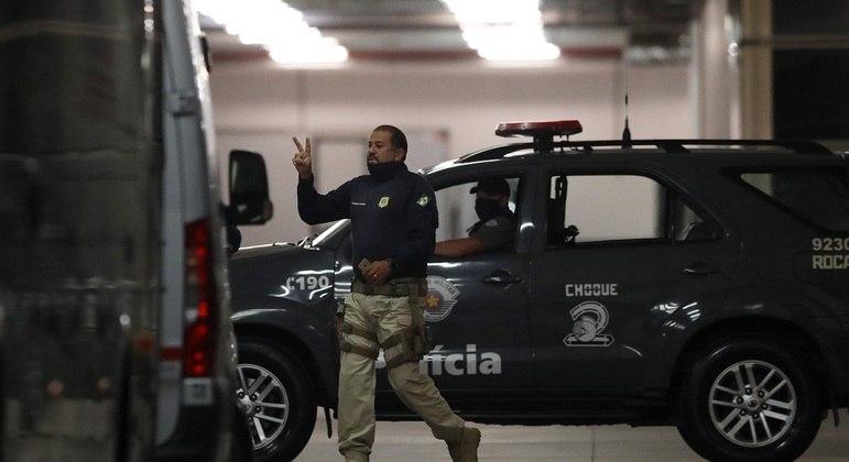 Polícia já está no local para assegurar saída de jogadores argentinos do Brasil