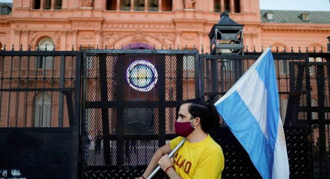 Argentina decreta novo confinamento nacional até 30 de maio