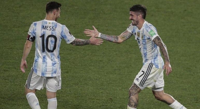 Messe marcou em vitória da Argentina sobre o Uruguai, neste domingo (10)