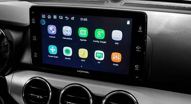 Central multimídia Uconnect tem 9´´ e oferece Android Auto e Apple CarPlay por R$ 2,9 mil