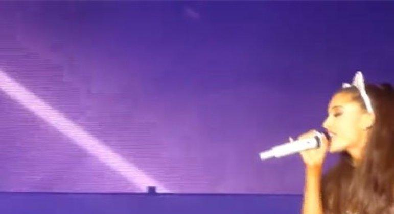 Ariana e Justin lançaram a música