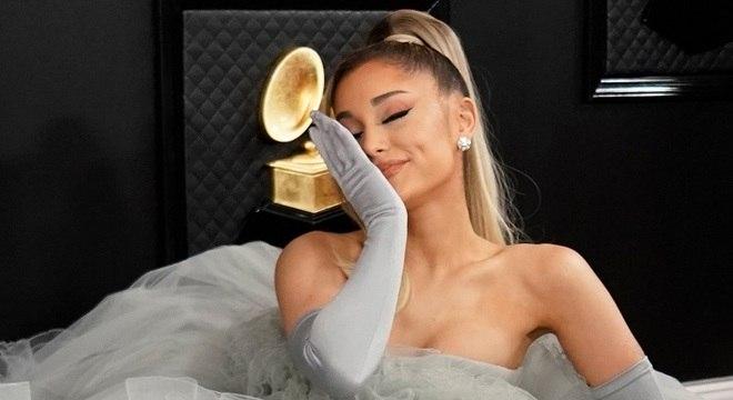 Cantora Ariana Grande na premição do Grammy